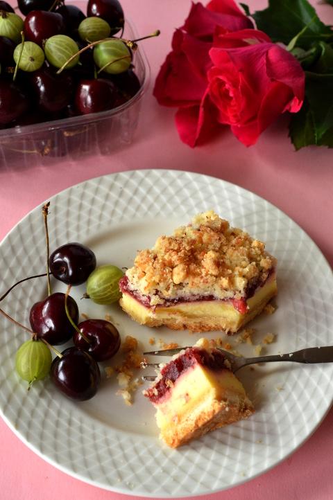 ciasto z truskawkami i serem
