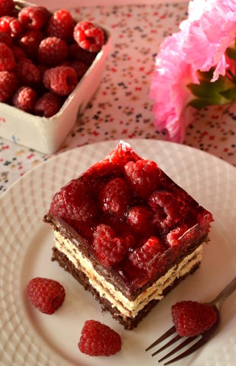Balladyna ciasto z malinami i galaretką