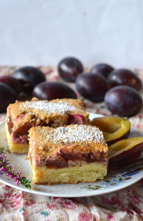 ciasto ze sliwkami i orzechami