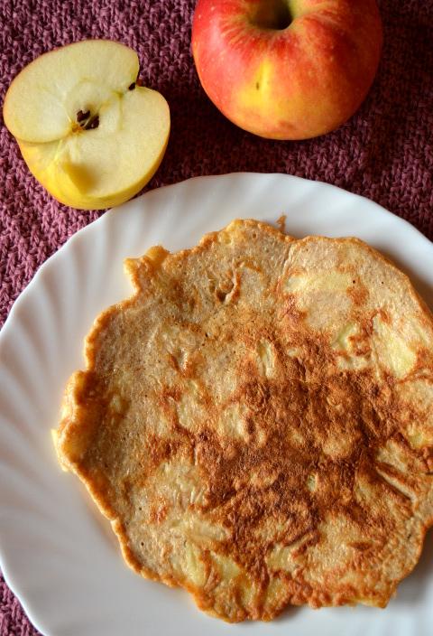 omlet szarlotkowy