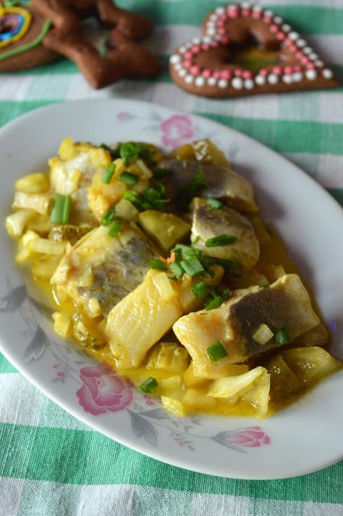 śledzie curry w oleju lnianym